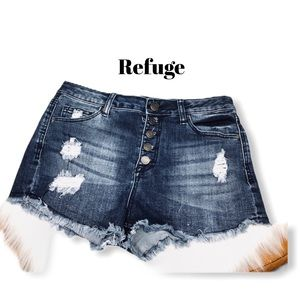 Refuge Button Up Destroyed Shorts Size 8.